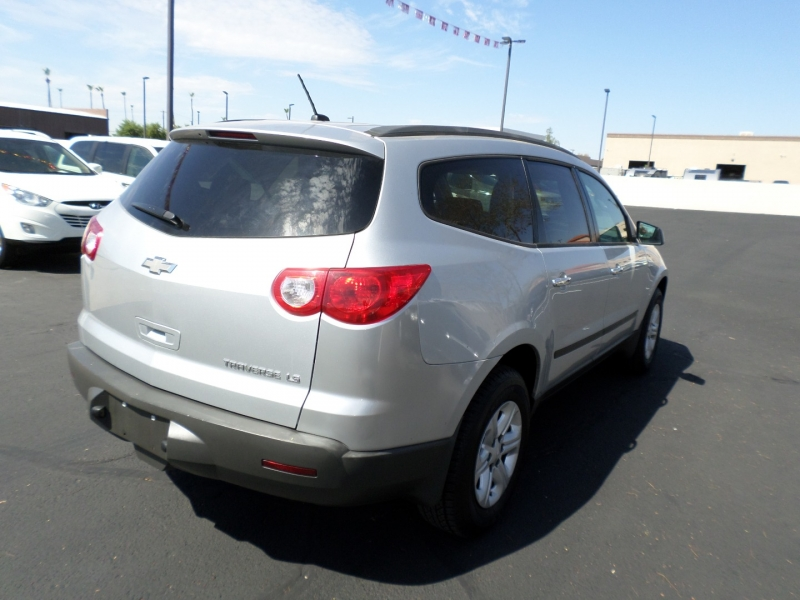 Chevrolet Traverse 2010 price $10,995