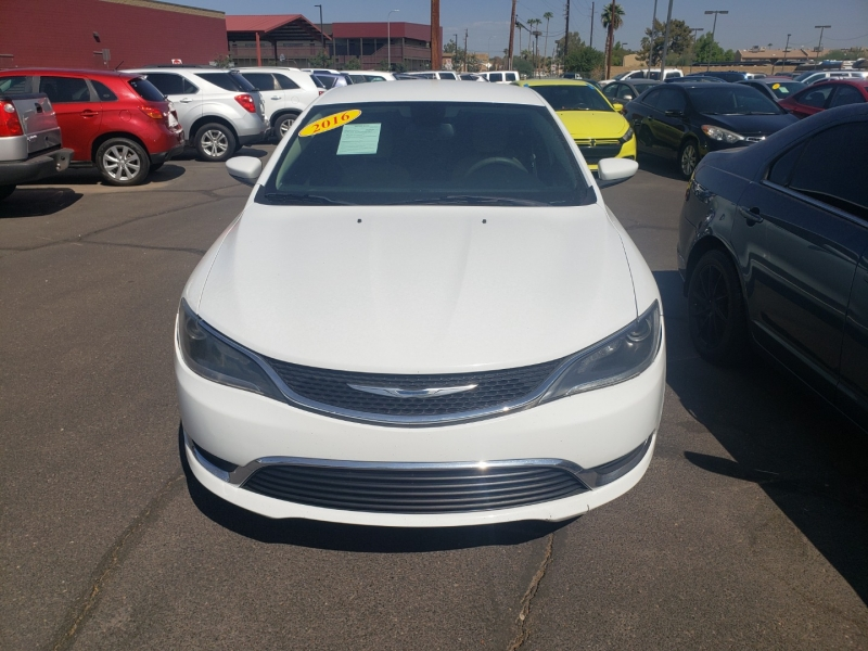 Chrysler 200 2016 price $14,995