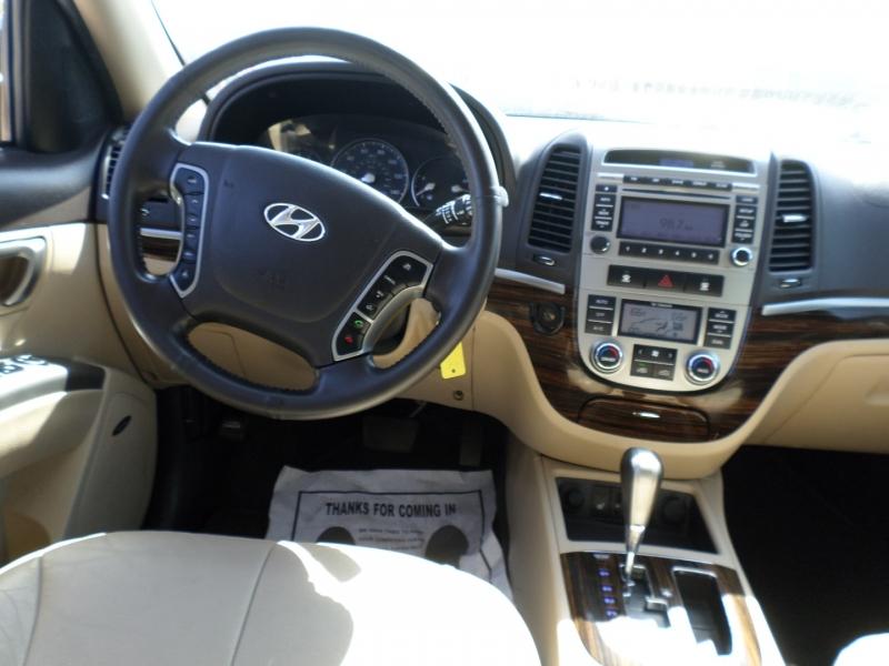 Hyundai Santa Fe 2011 price $12,495