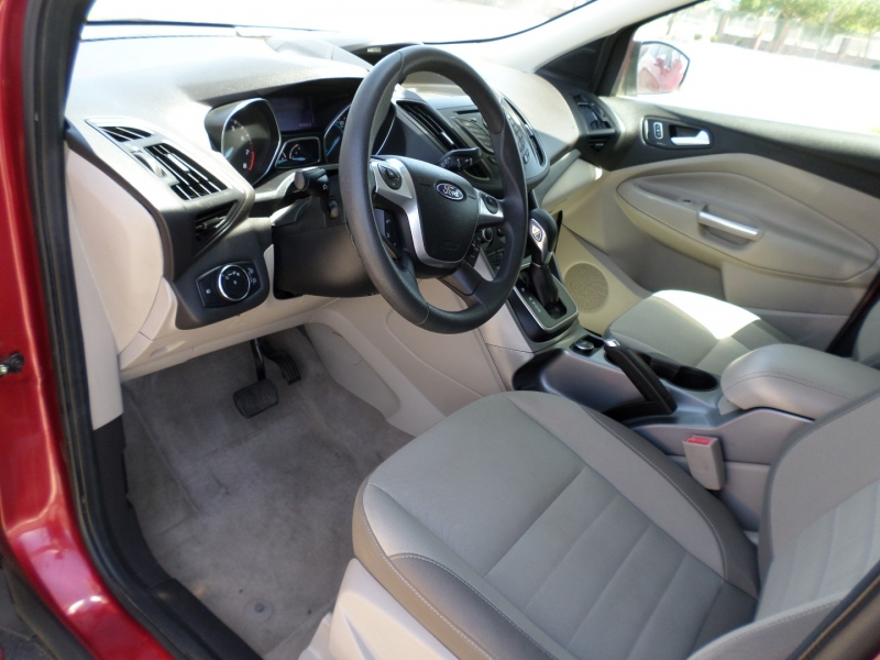 Ford Escape 2013 price $13,595