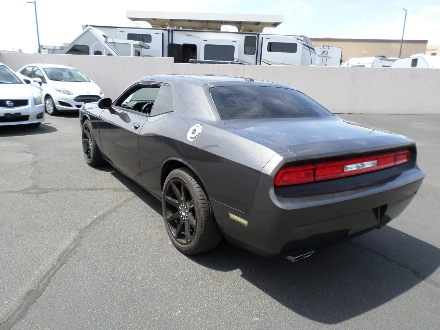 Pre-Owned 2014 Dodge Challenger 2dr Cpe SXT