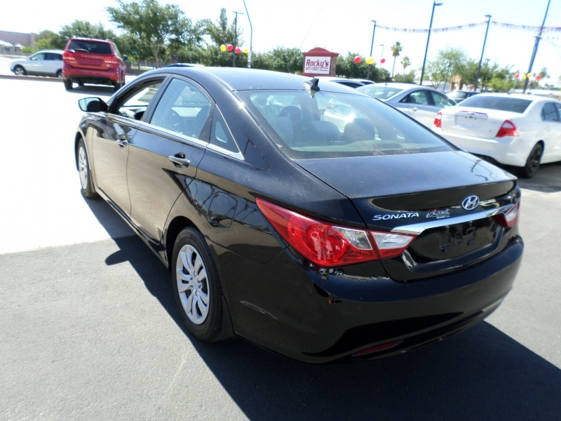Hyundai Sonata 2011 price $13,895