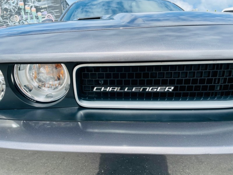 DODGE CHALLENGER 2013 price $19,989