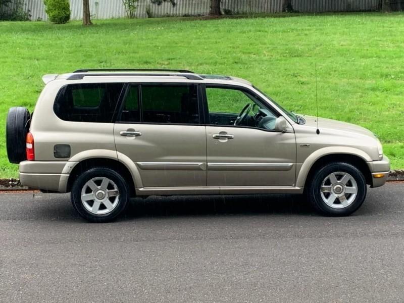 SUZUKI XL7 2002 price $3,995