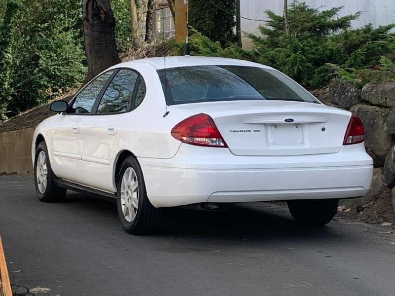 FORD TAURUS 2006 price $4,495