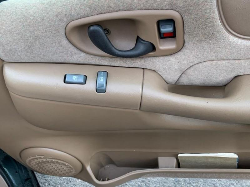 CHEVROLET S TRUCK 2002 price $8,995