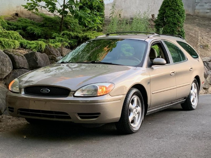 FORD TAURUS 2004 price $4,995