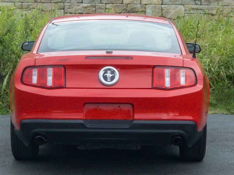 FORD MUSTANG 2012 price $10,870