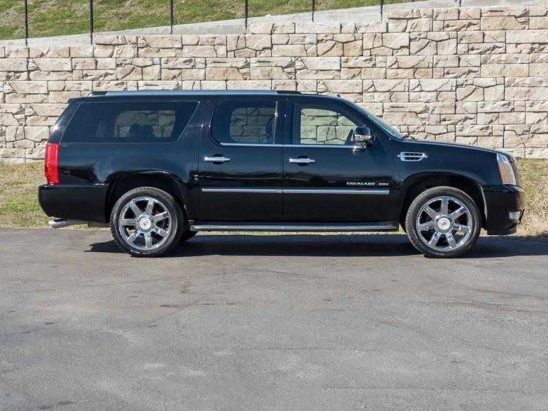 CADILLAC ESCALADE 2011 price $27,990
