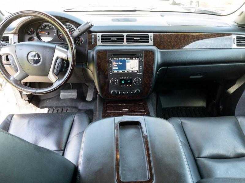 GMC YUKON XL 2011 price $23,990