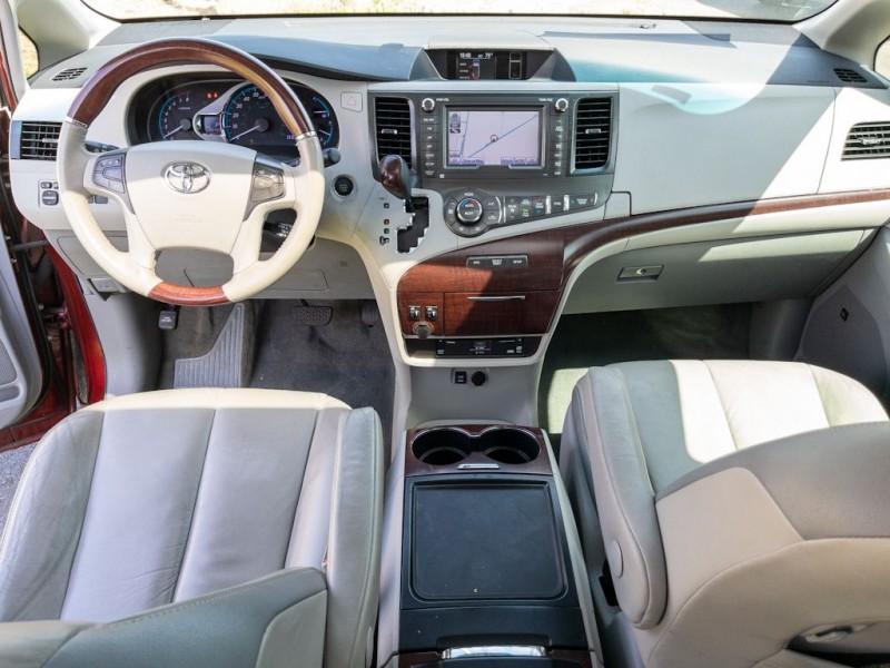 TOYOTA SIENNA 2012 price $18,990