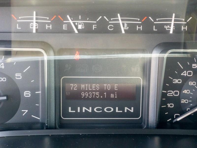 LINCOLN NAVIGATOR 2012 price $17,990