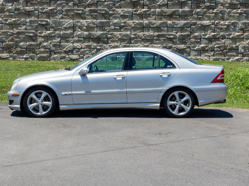 MERCEDES-BENZ C-CLASS 2005 price $5,590