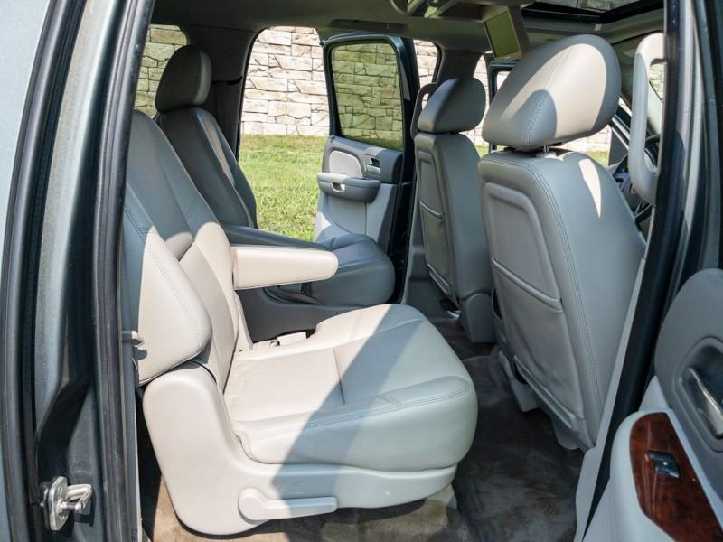 CHEVROLET SUBURBAN 2011 price $16,490