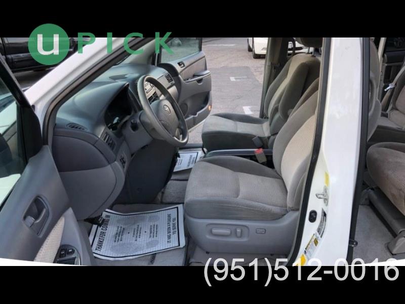 Toyota Sienna 2010 price $9,950