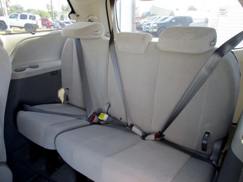 Toyota Sienna 2014 price $1,200 Down
