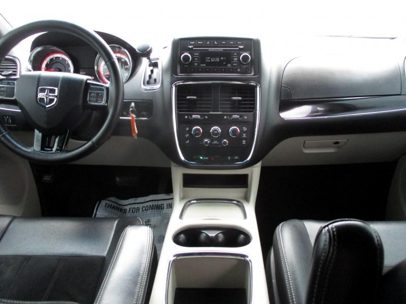 Dodge Grand Caravan 2017 price $15,999