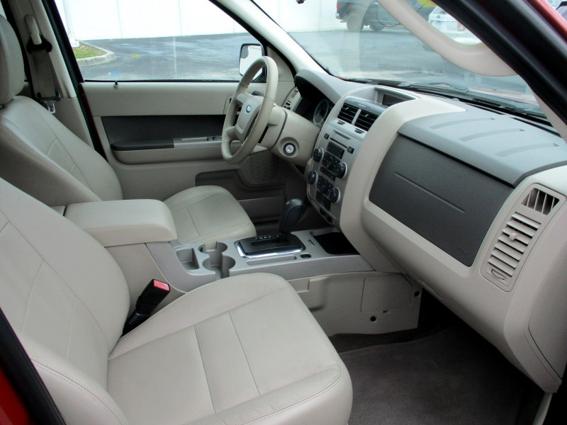 Ford Escape 2010 price $9,999