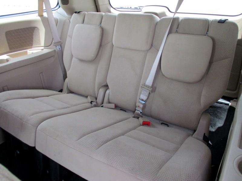 Dodge Grand Caravan 2015 price $10,999