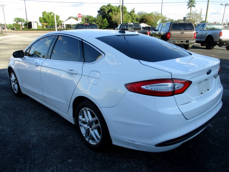 Ford Fusion 2015 price $13,499