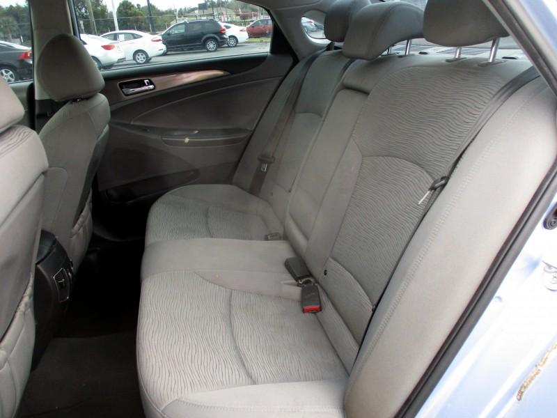 Hyundai Sonata Hybrid 2013 price $9,399