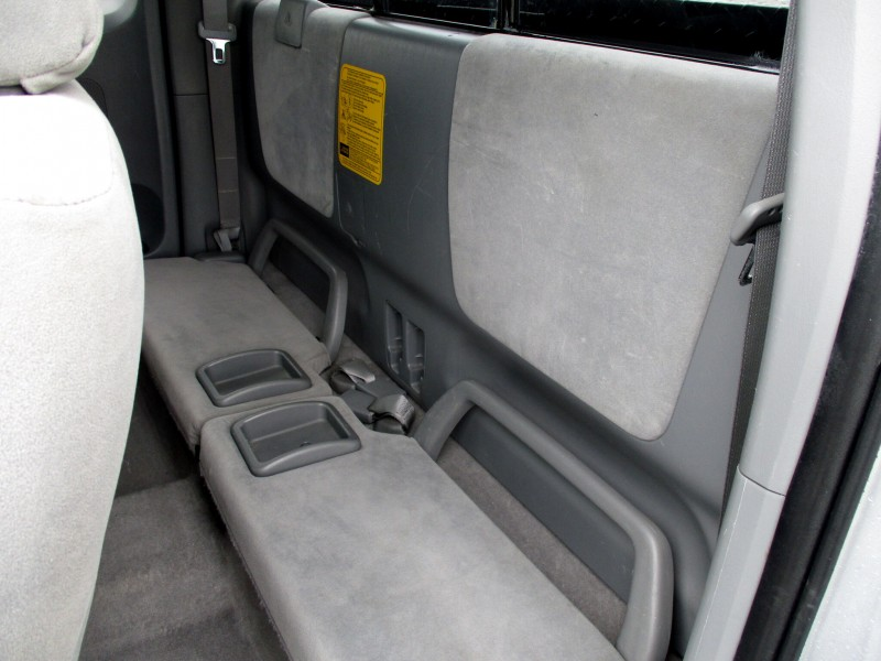 Toyota Tacoma 2006 price $13,999