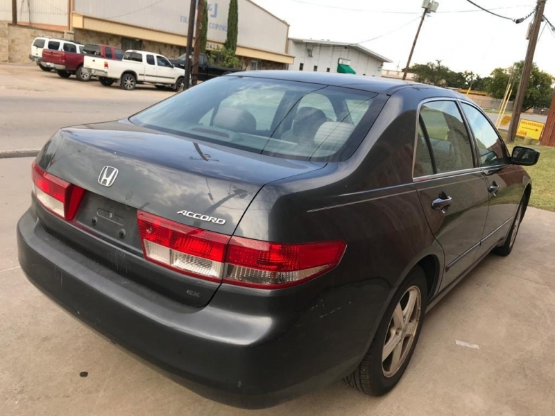 Honda Accord Sdn 2004 price $3,995