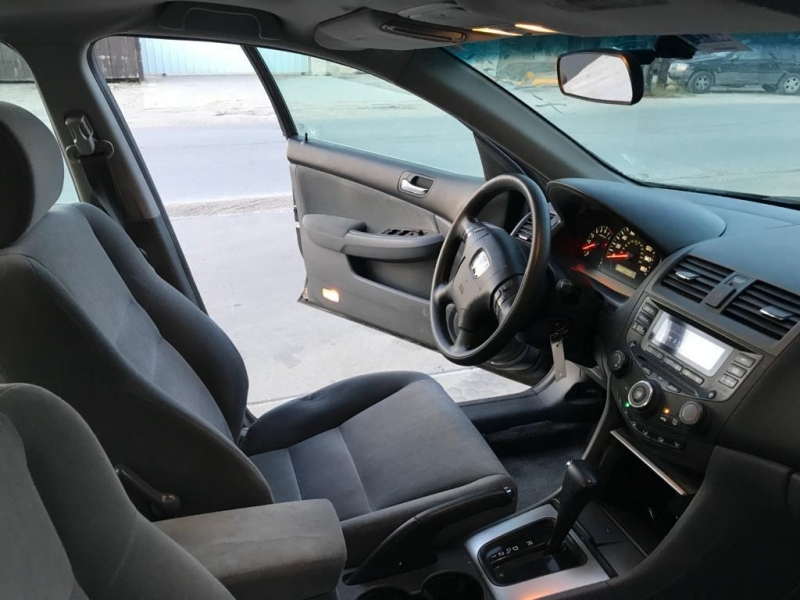 Honda Accord Sdn 2004 price $3,600