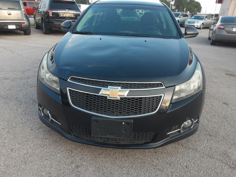 Chevrolet Cruze 2012 price $3,850