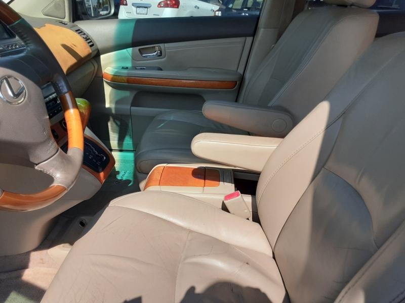 Lexus RX 330 2006 price $4,950