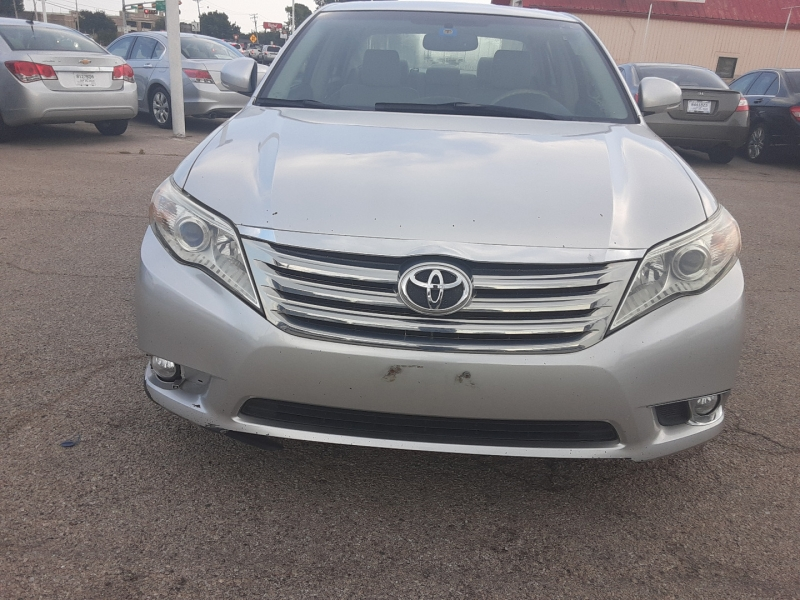 Toyota Avalon 2011 price $9,950