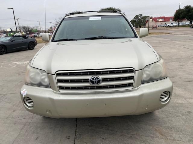 Toyota Highlander 2003 price $3,900