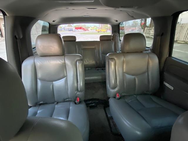 Chevrolet Suburban 2005 price $4,995