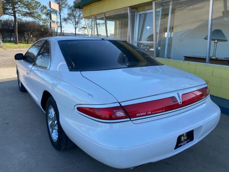 Lincoln Mark 1998 price $2,500