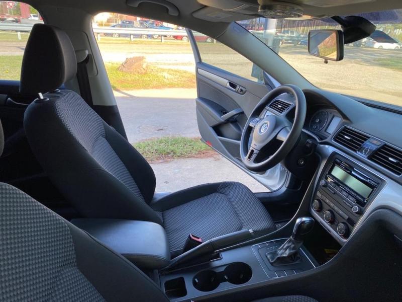 Volkswagen Passat 2014 price $7,800