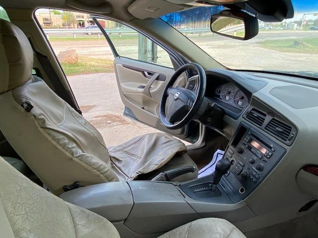 Volvo S60 2003 price $2,500