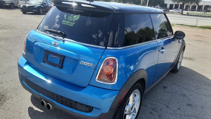 Mini Cooper Hardtop 2010 price $7,550