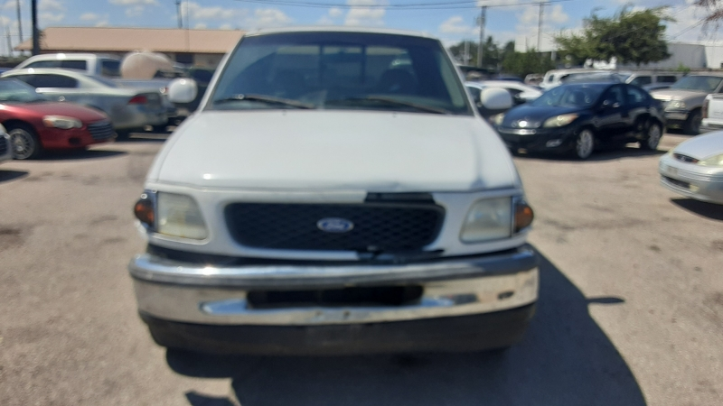 Ford F-150 1997 price $3,000