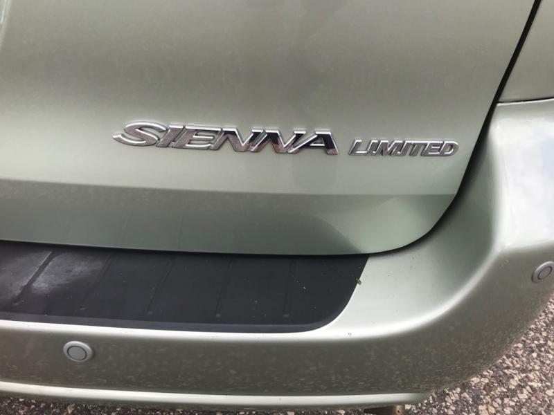 Toyota Sienna 2007 price $5,500
