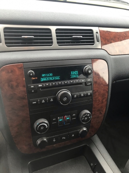Chevrolet Suburban 2008 price $9,800