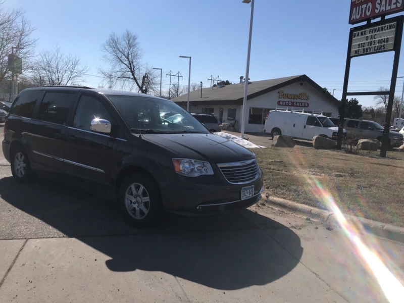 Chrysler Town & Country 2012 price $6,300