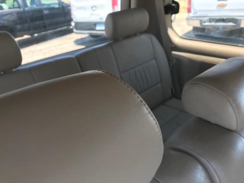 Toyota Land Cruiser 2001 price $6,800