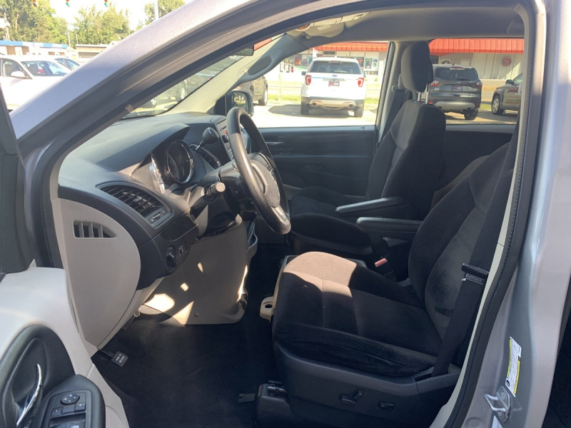 Dodge Grand Caravan 2014 price $8,800