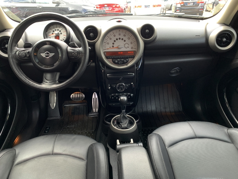 Mini Cooper Countryman 2012 price $9,700