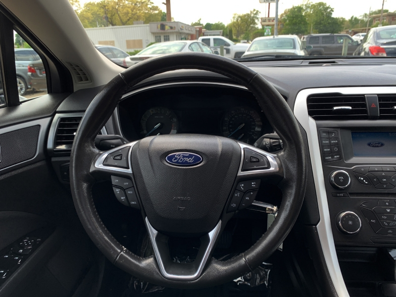 Ford Fusion 2016 price $14,900