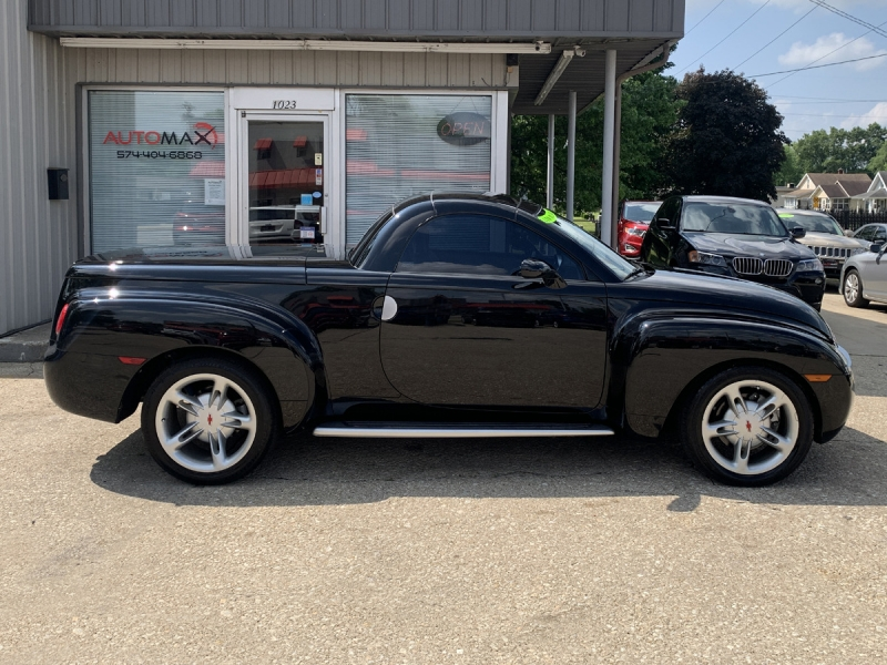 Chevrolet SSR 2004 price $28,995