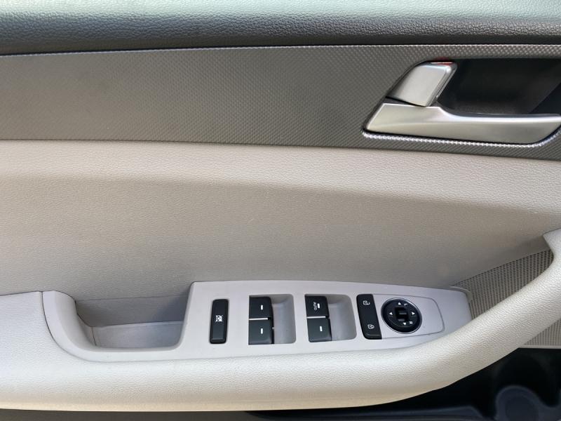 Hyundai Sonata 2015 price $12,900