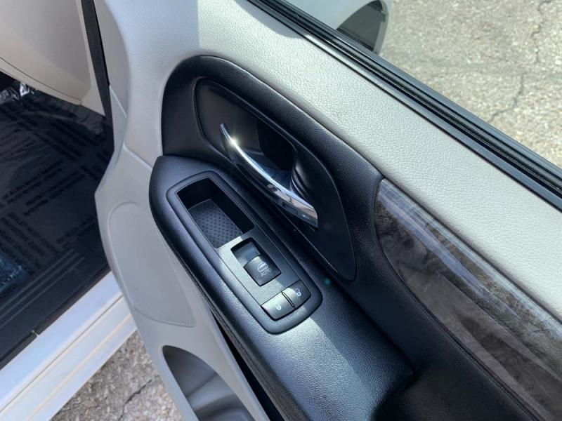 Dodge Grand Caravan 2011 price $7,975