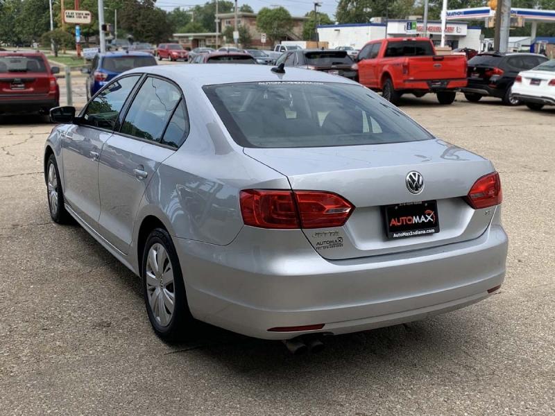 Volkswagen Jetta Sedan 2014 price $9,700
