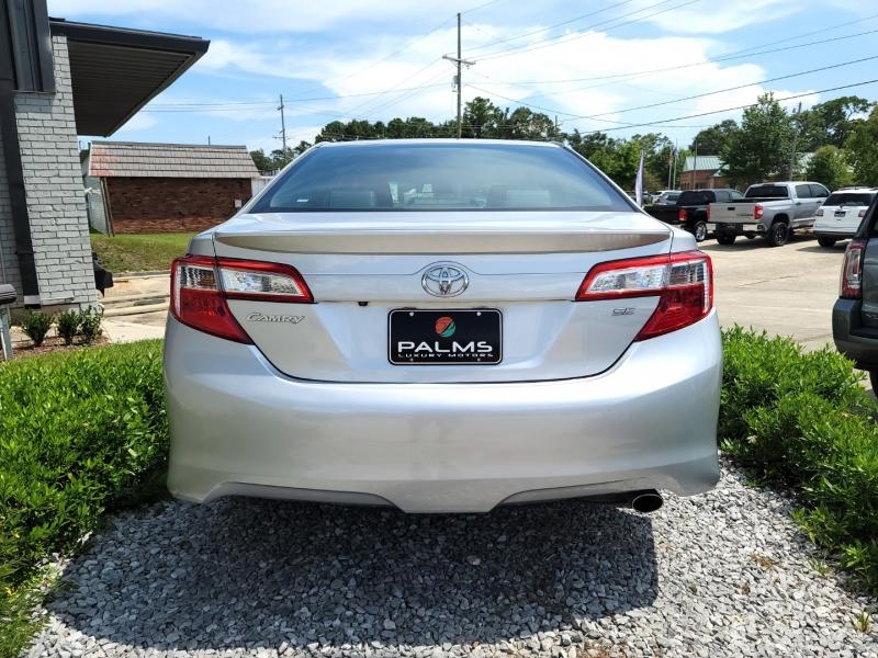 Toyota Camry 2014 price $13,658